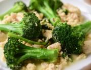Broccoli in minced chicken